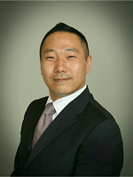 Photo of Larry Hwang